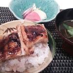 蓬左茶寮 - 穴子丼