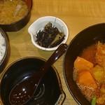 22420728 - チキンのぽかぽかトマト煮定食880円