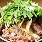 韓国家庭料理 済州 - 新作・スンデ鍋◆貧血に良いスンデ(豚の腸詰)をヘルシーな鍋にしました!