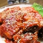 韓国家庭料理 済州 - ◆ヤンニョムチキン◆ジューシーなモモ肉を揚げ、さらに甘辛いタレで絡めました!