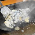 大木屋 - 2013.11 三陸産の牡蠣を鉄板へ