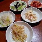 オモニのひと味 - 韓国料理らしくお通しもあり!(2013,11/9)
