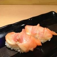 すしの助 - 赤貝はぷりぷりの食感