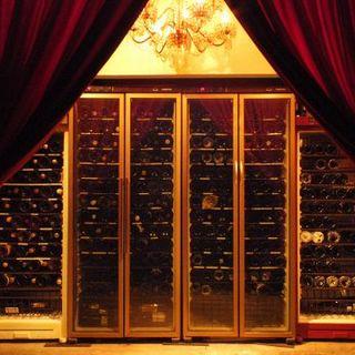 ワインは総勢250種以上!