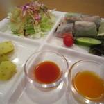 22430461 - 前菜の春巻き&サラダ☆