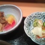蔵 - 小鉢と漬物