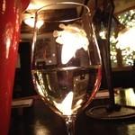 22433376 - 魚に合う白ワインをチョイスしてもらいました