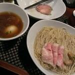 らぁ麺やまぐち - 味玉入り鶏つけそば(2013/11)