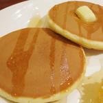 Cafe Sanbankan - コームハニーのパンケーキ(生地のアップ、2013年10月)