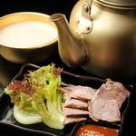 ペナムコル - 蒸し豚