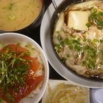 のんしゃらん食堂 - あつあつ肉豆腐 ミニまぐろ丼