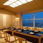 つつじの茶屋 - 個室では落ち着いた雰囲気でお食事が愉しめます。