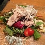 YASU - 豚しゃぶサラダ  ボリュームありますね。