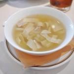 一層樓 - ≪2013.11再訪≫2500円ランチ スープ