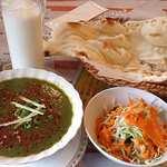 PARIWAR - Indian Restaurant Pariwar 信濃町店 ランチ サグチキンカレーセット 850円