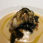 22447287 - 25年11月 フランスオレロン島産牡蠣 トランペット茸のスープ