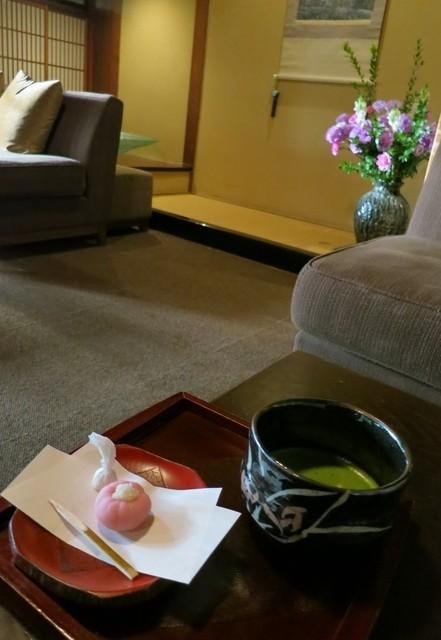 蘇山荘 - お抹茶セットです。