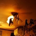 ペンギン堂 - 天井にもペンギンがいます