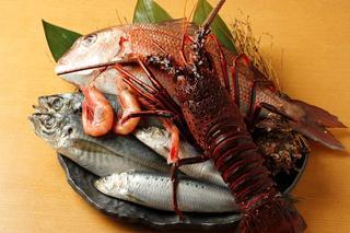 升亀 - 厳選された海の幸に伊勢えび1尾丸ごと入れた鍋
