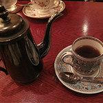 コーヒー(可否)聖道 - こちらは同僚の頼んだキリマンジャロ650円。 酸味が強く、タンザニア産(アフリカ)でとれるストレート用珈琲です。 ポットサービスで来ました。
