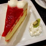 カフェ・サンタマリア - ベルリーベイチゴのケーキ