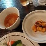 22462896 - 小鉢と味噌汁