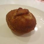 フロレスタ - あんドーナツ  漉し餡はサッパリしていていくつでもたべられそう!