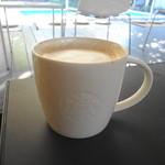 スターバックス・コーヒー - ドリンク写真:ラテはまあいつものあの味です