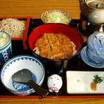 雅紀屋 - 料理写真:わらじかつまぶし丼 1300円 三つの味が楽しめるお得な丼です。