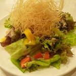とり道楽 - 2013.11.10 蒸し鶏のパリパリサラダ