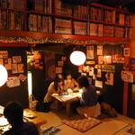 居酒屋 デリィの種 - 飲みすぎと天井にはお気を付けなすって!!な雰囲気抜群ロフト下小上がり席