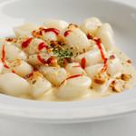 KAYA - 濃厚なクリームチーズのトッポッキ(ゴルゴンゾーラ風味)
