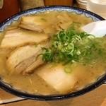 元祖赤のれん 節ちゃんラーメン - 入魂のスープなみなみってか!