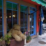 ロペズ - なのに何故か、カワイ過ぎるファサード