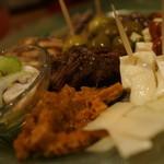 バール エ ターヴォラ カルダ ラ・ジョストラ - 前菜盛り