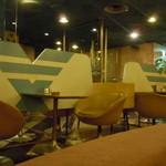 マヅラ喫茶店 - 案内された席から振り返ると・・