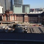 鉄板焼 天 本丸 - レストランから東京駅を撮る