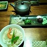 22481319 - 土鍋の炊き込みご飯(鯛                       )