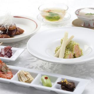 特級厨師の資格を持つ料理人による華やかな本格中華