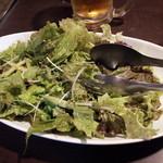 焼肉 ギュービッグ - サラダ