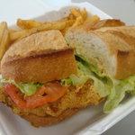 ナウリンズ - catfish sandwich