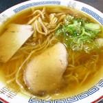 一茶庵 支店 - ぬるまラーメン                             (茹で上がった麺を水で締めてから、スープの中に投入するネタメニュー)