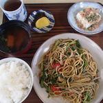 まるみ食堂 - 坦々焼きそば定食(900円)