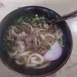 まるみ食堂 - 肉うどん(530円)