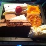 パティスリー ラプラス - ケーキ詰め合わせ