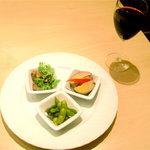 AMIGA - Happy hour time(every17:00-20:00)前菜3品+Wine / 1000円