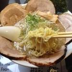 22500548 - 魚介チャーシュー麺 大盛り  鯵