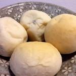 寛 - ブドウパン、丸パン