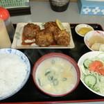 とみた食堂 - 料理写真:カラアゲ定食800円