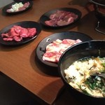 炭火焼肉処じゅうじゅう - ユッケジャンクッパ、追加のお肉です!